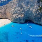 Τα ξένα μέσα ενημέρωσης πλέκουν το εγκώμιο της Ελλάδας για την έναρξη της τουριστικής σεζόν