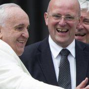 Ο πρώην επικεφαλής ασφαλείας του Βατικανού Comanante Domenico Giani επαινεί τις οικονομικές μεταρρυθμίσεις του Πάπα