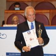 Βράβευση του κορυφαίου χειρουργού Ιατρού Δρ. Κωνσταντίνου Κωνσταντινίδη από τα Διεθνή Βραβεία G. Sciacca στο Βατικανό