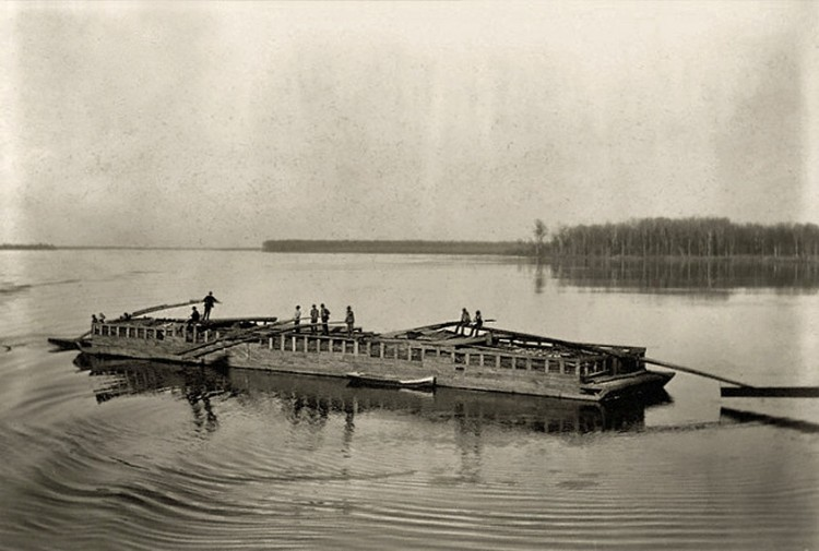 flatboat_on_the_mississippi1898_845x570