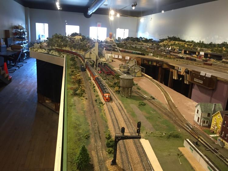 Savanna Train Layout