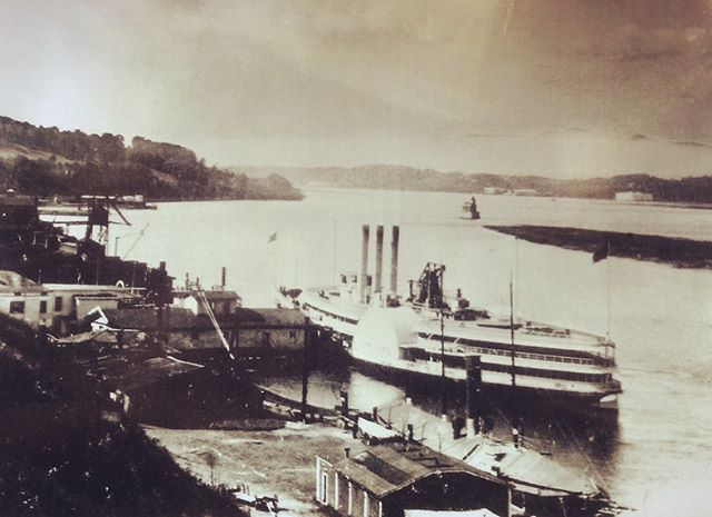 Leo Bower generously shared photos he's collected of the early days of the Hudson waterfront neighborhood he grew up. In the late 1960s this whole neighborhood was bulldozed as part of urban redevelopment. #shantyboat #redevelopment #waterfront #hudsonny