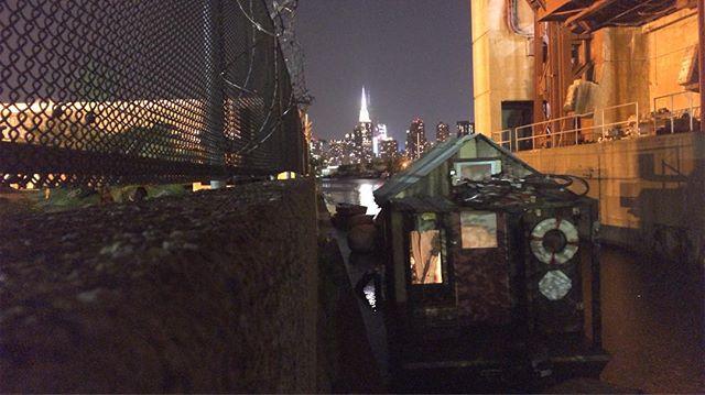 Shantyboat under the Pulaski Bridge. Empire State off the bow. #shantyboat #nyc #brooklyn #queens