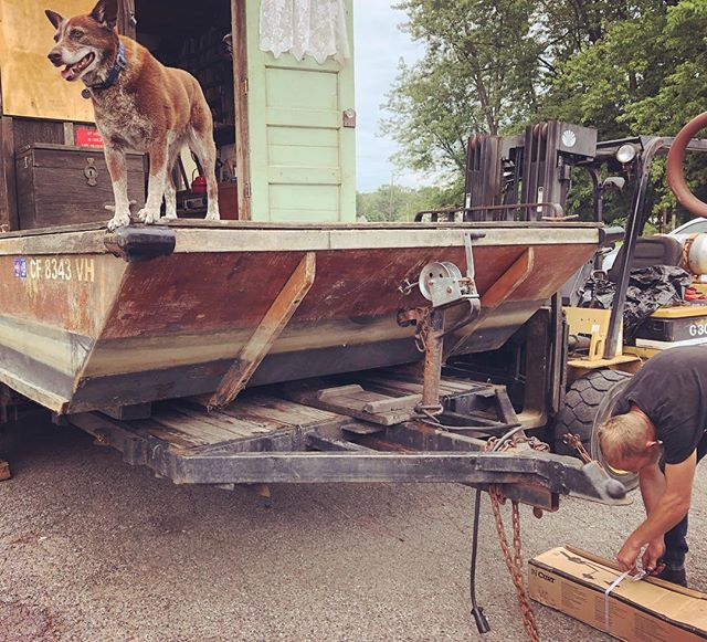 This is a familiar scene going all the way back to 1999 my first year owning this trailer #trailerrepair #shantyboat #roadservice #newjersey