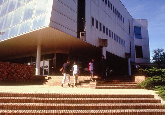 5071842_6_fefd_campus-de-fontainebleau-de-l-institut-europeen_6158e062245d5559afa0f9af520d0cec