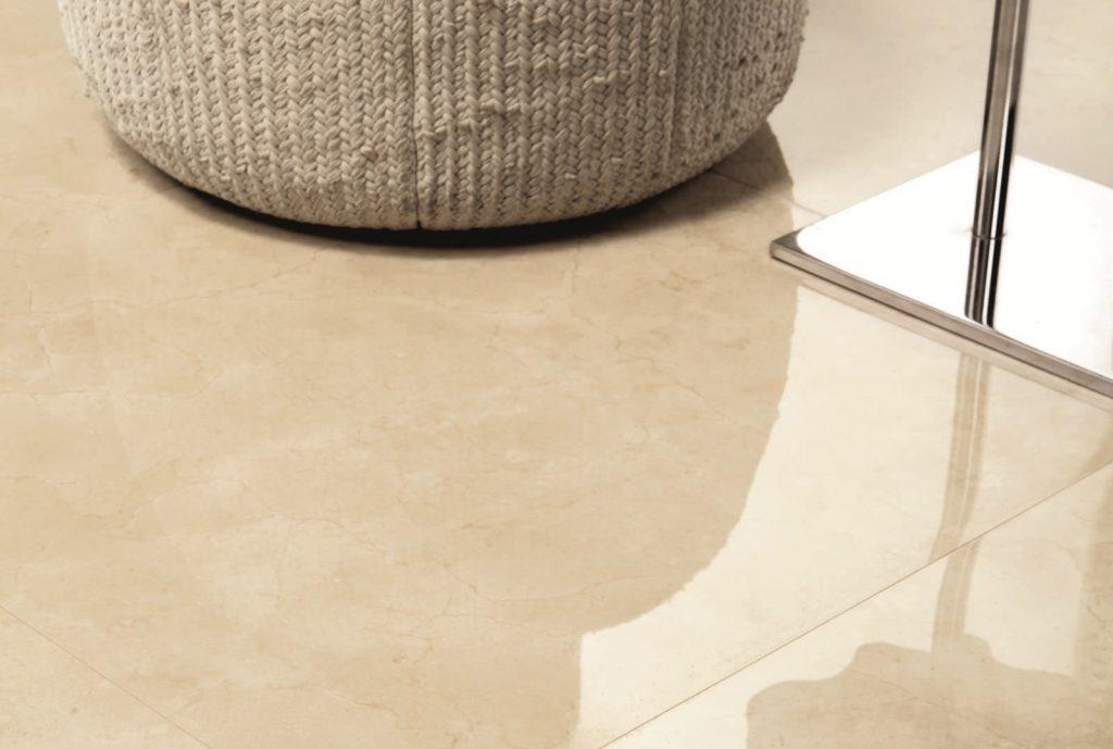 Recuperar el brillo de los suelos de m rmol o terrazo es for Cera para pisos de marmol