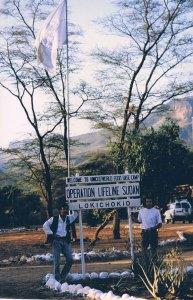 """Sudan15. """"Operation Lifeline Sudan"""", campamento base de Lokichokio (Kenia), el despliegue de ayuda humanitaria más caro de la Historia. Foto: LUIS DAVILLA."""