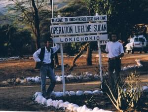 """Campamento base de """"Operation Lifeline Sudan"""" en Lokichokio, norte de Kenia, frontera con Sudán. (Foto: LUIS DAVILLA)"""