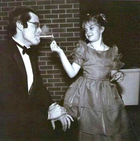 stephen_king_smoking