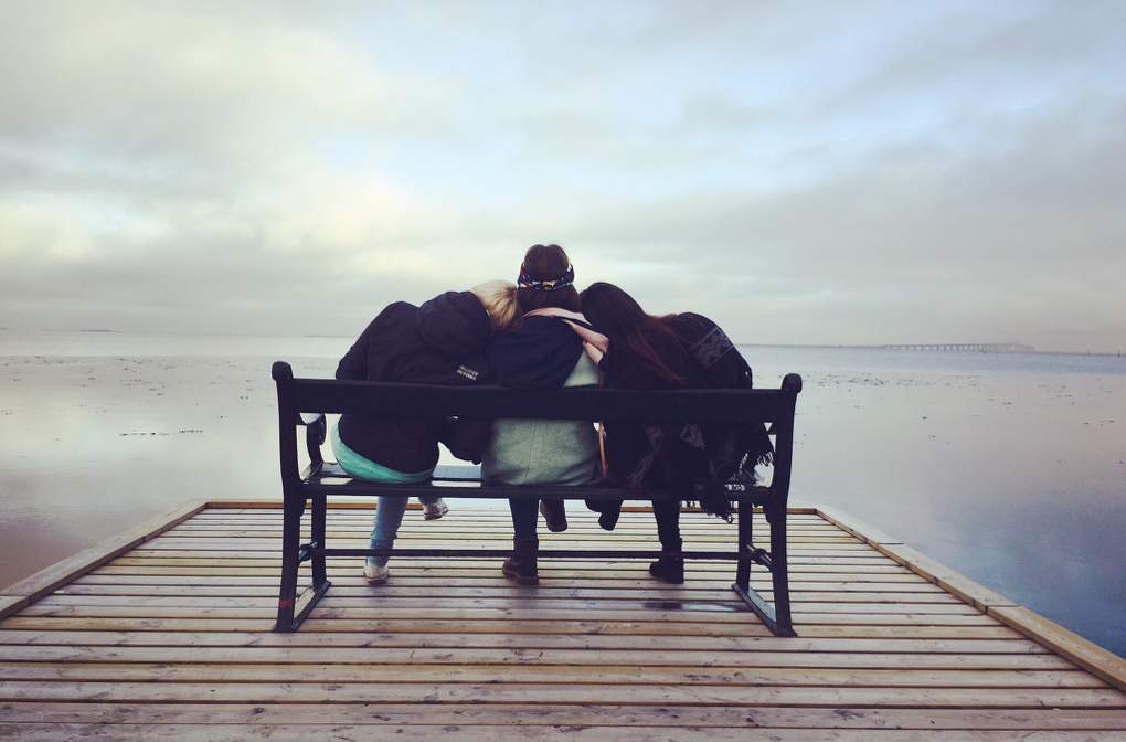 1020 - bench-chair-friends-288583
