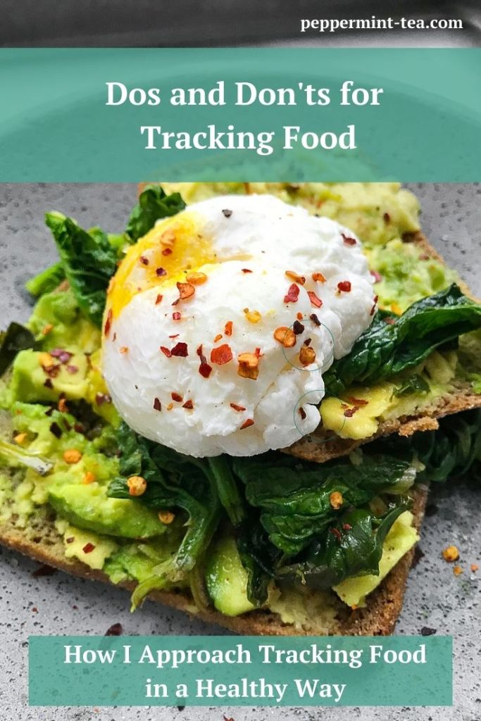 Photo of avocado and spinach on toast as an example of tracking food in a healthy way