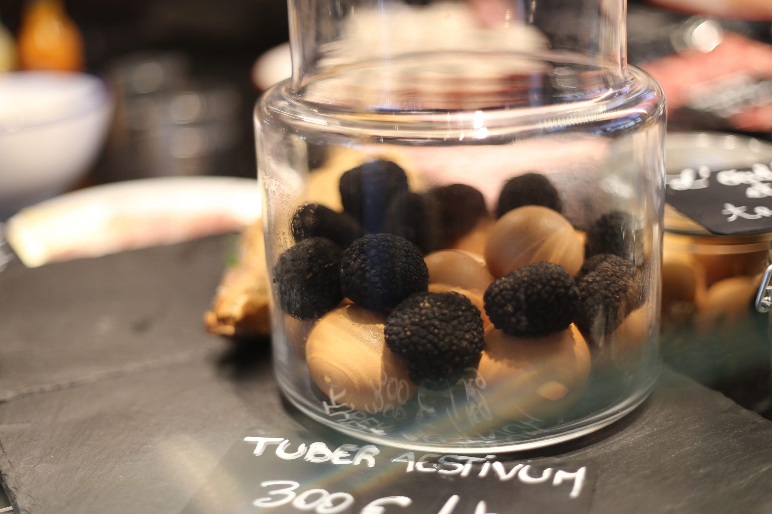 Storing Fresh Truffles with Eggs in Jar