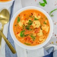 Zippy Tomato & Tortellini Soup