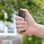 how to use pepper spray