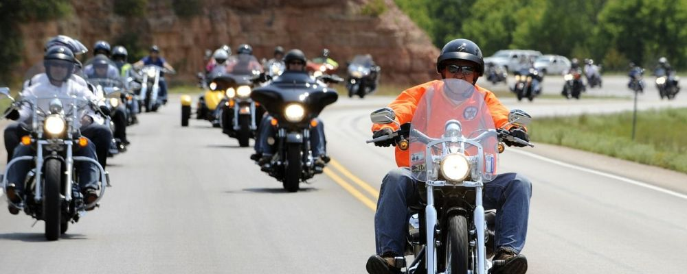 motorcycle-rally-597914_1280