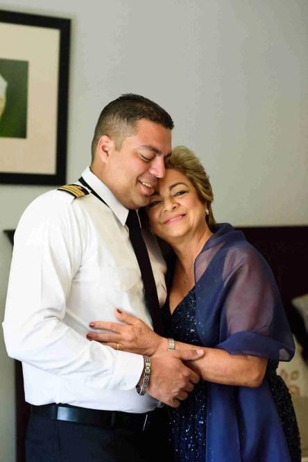 Alistándose-Gretta y Bock Vibrante Boda en el Interior de Panamá
