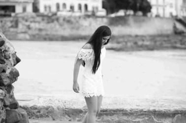 Easha Pre Quince - Caminando en la playa del Casco Antiguo-Peppo Photography