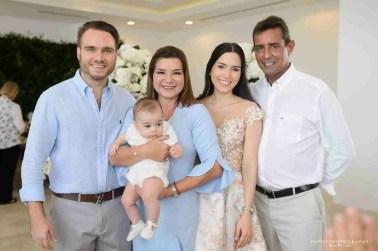 Abuelos maternos de Rafael compartiendo la celebración