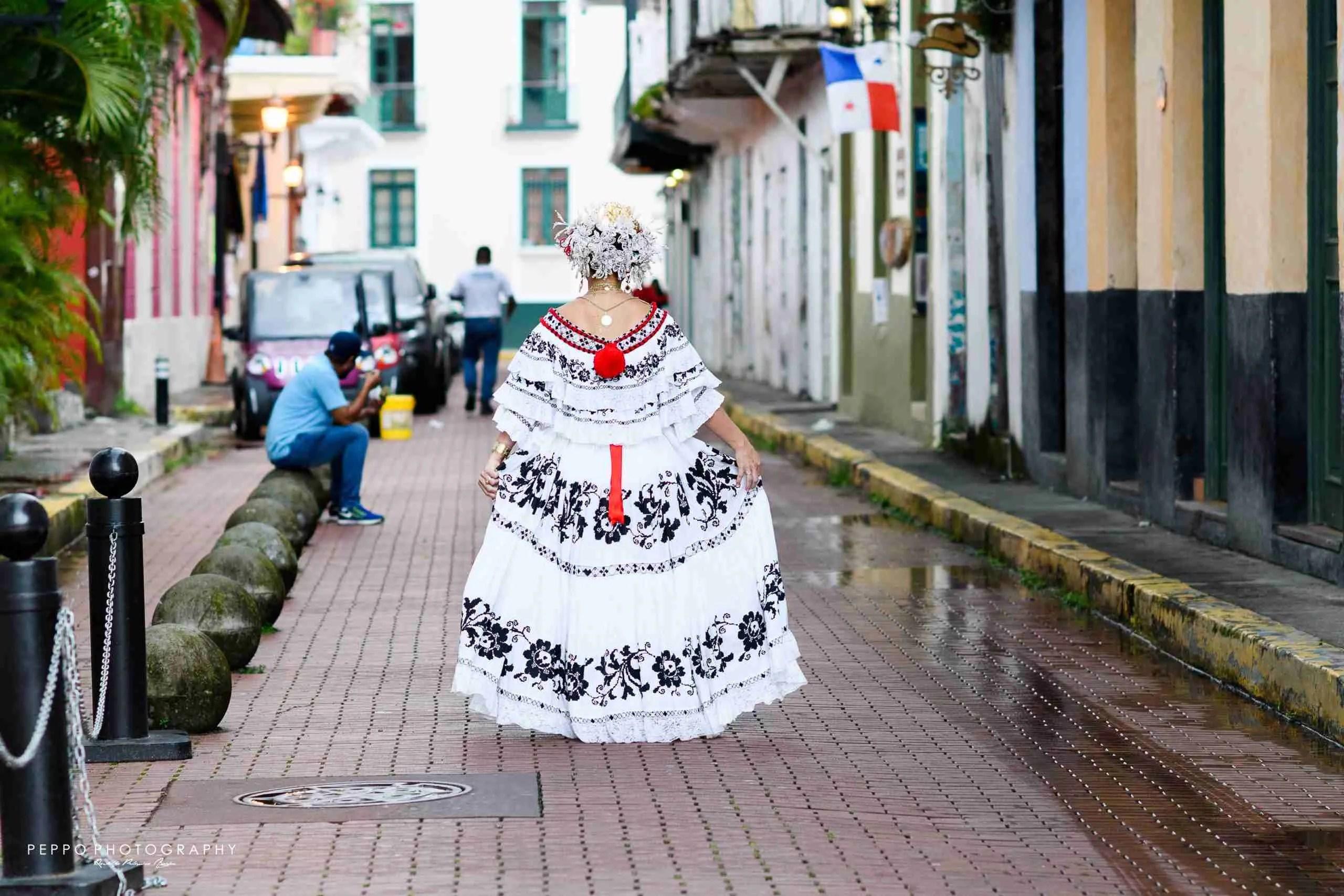 Retrato de Empollerada en las calles del Casco Antiguo