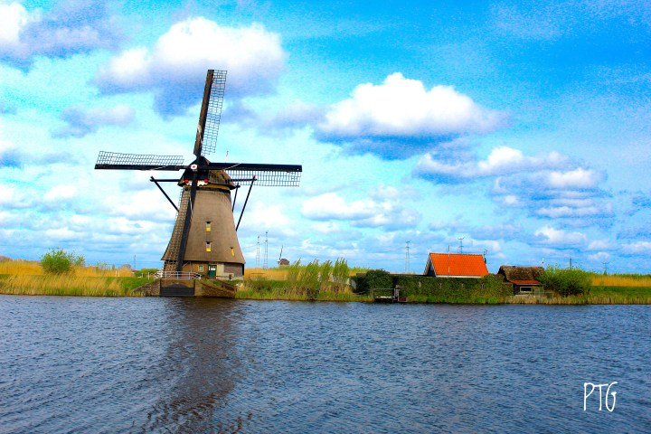 More on The Netherlands – Rotterdam and Giethoorn!