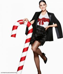 katy-perry-for-h-m-holiday-campaign-photoshoot-2015_7