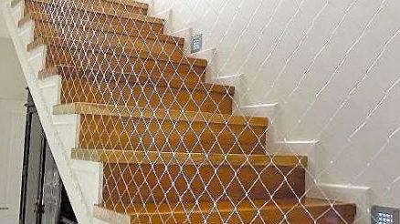 red-seguridad-anticaídas-escaleras-pequesseguros