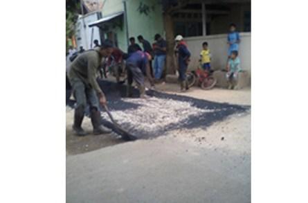 Diduga Pekerjaan Jalan Hotmix DD Purwadadi Asal Jadi