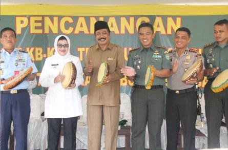 Bersama TNI, Pemkab Subang Gelar Pencanangan Bhakti TNI-KB Kesehatan Terpadu