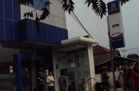 Soal Realisasi Dana PKH Pelayanan BRI Unit Dangdeur Buruk