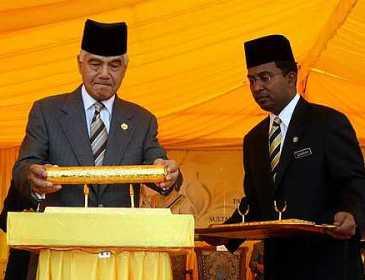 Sultan Perak bimbang tuntutan bercanggah perpaduan