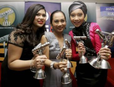 AIM18: Yuna Terima Tiga Anugerah, Termasuk Anugerah Kembara