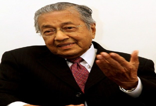Mahathir fail permohonan soal balas Najib
