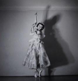 Mercedes Goritz Pavelić u kostimu baleta Pastirska igra, 1941.