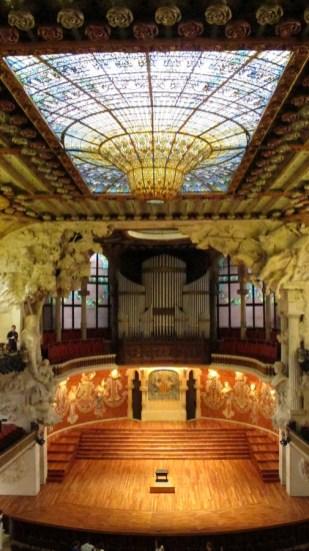 Palau de la Música Catalana unutrašnjost - kupola i pozornica