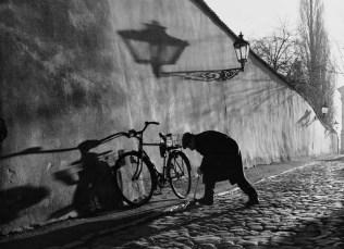 Čovjek s biciklom, 2000.