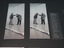 Ljubljenje ruke majstora, fotoperformans, 2002.