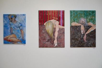 Lena Kramarić - This is you 1&2 (Hidden), 2015., diptih: kombinirana tehnika, 100x70cm + Uklopila sam se (Klopka), 2016., kombinirana tehnika, 80x60cm, foto: Niko Goga