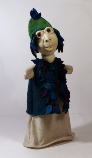 Teodora de Both - Encijan - eterični jahač Velebitskog povjetarca, lutka za ruku, 37x29x12cm, 2020.