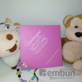 Model Amplop Putih Pink Kartu Undangan Softcover Minimalis