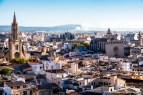 """El """"skyline"""" de Palma visto desde las cubiertas de la Seo es bellísimo. En la imagen se aprecia parte del centro histórico, del que sobresalen los campanarios de las iglesias de Sta. Eulalia, San Francisco y Monte Sion"""