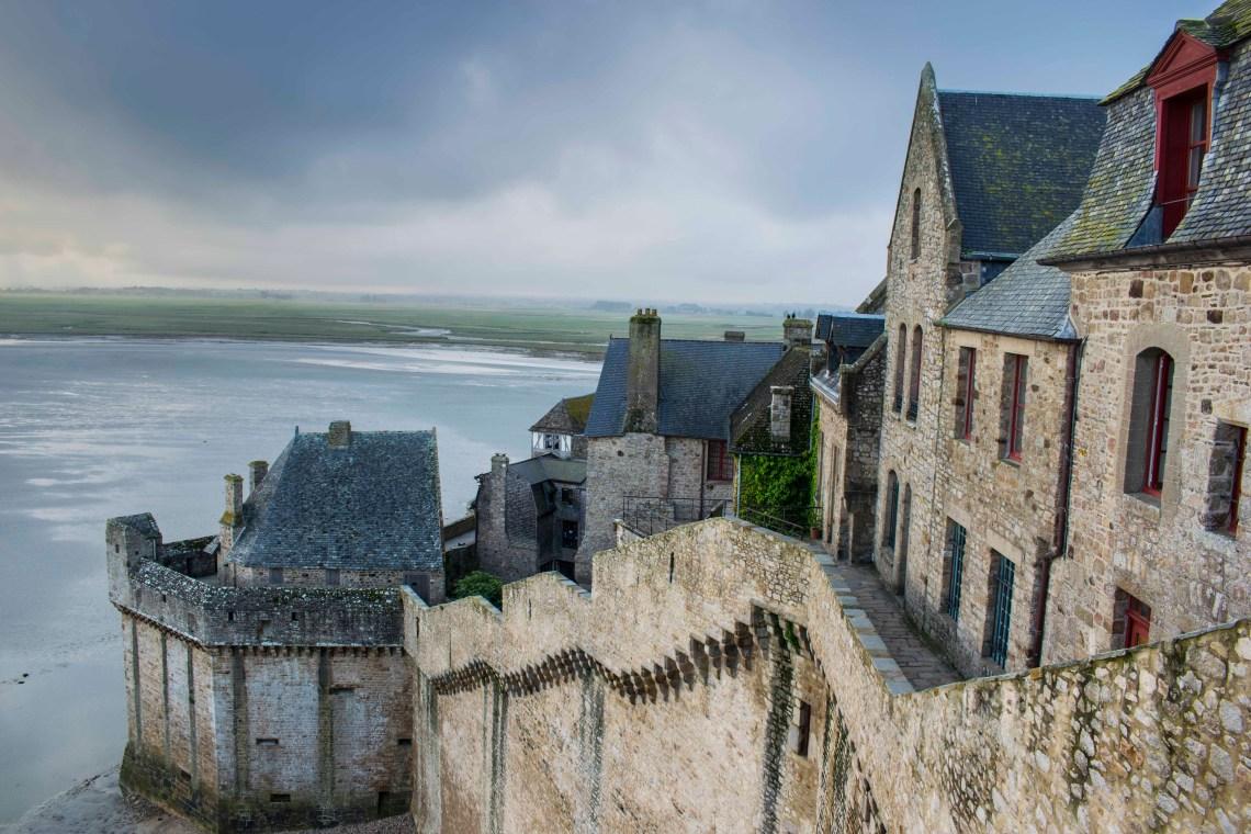Warowne mury Mont Saint Michel