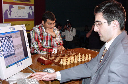 Chess pros Vladimir Kramnik and Vishy Anand face off with the help of computers