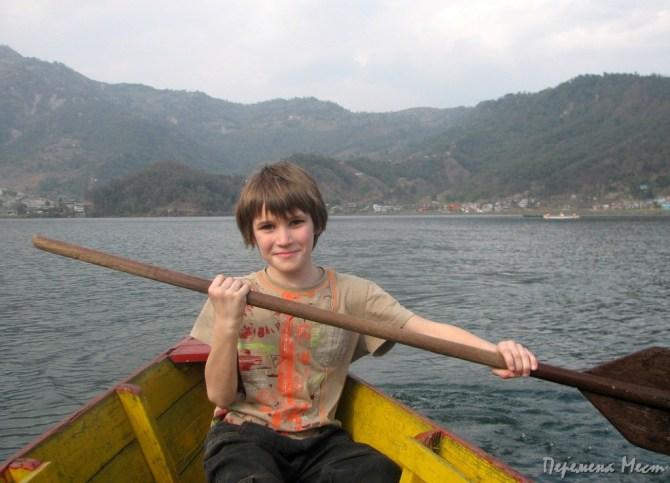 Непал озеро Фева