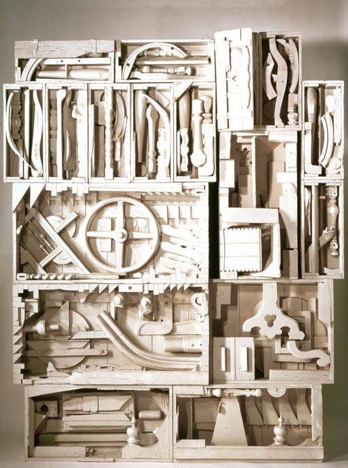 1962-NEVELSON Louise (Ukr. 1899-1988), Dawn's Wedding Chapel IV, 1960, bois peint, Coll. part. New York