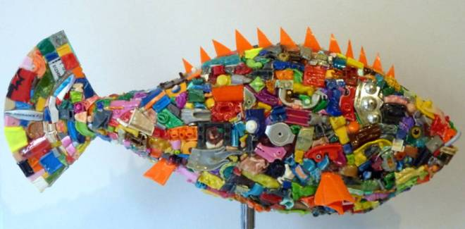 csm_poisson_dte_julien_garcia_galerie_chaon_galerie_art_chaon_granville_manche_normandie_mont_saint_michel_sculpture_recyclage_plastique_pop_art_d4ec36c1e4
