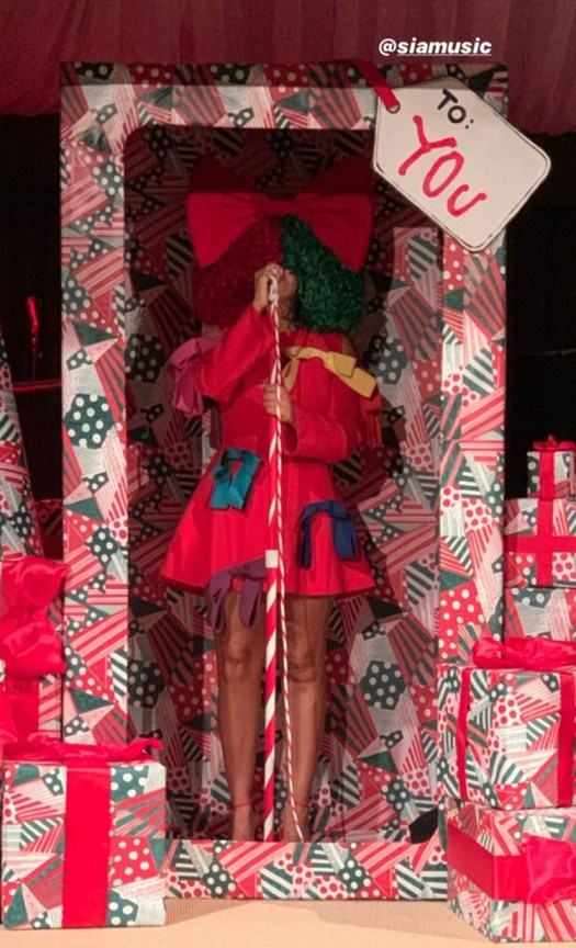 Kardashian Christmas party details 5