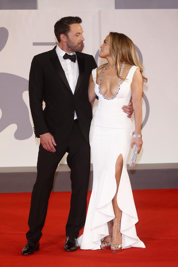 Ben Affleck Jennifer Lopez Venice 1
