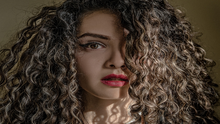 10 Secrets of Curly Hair Styling