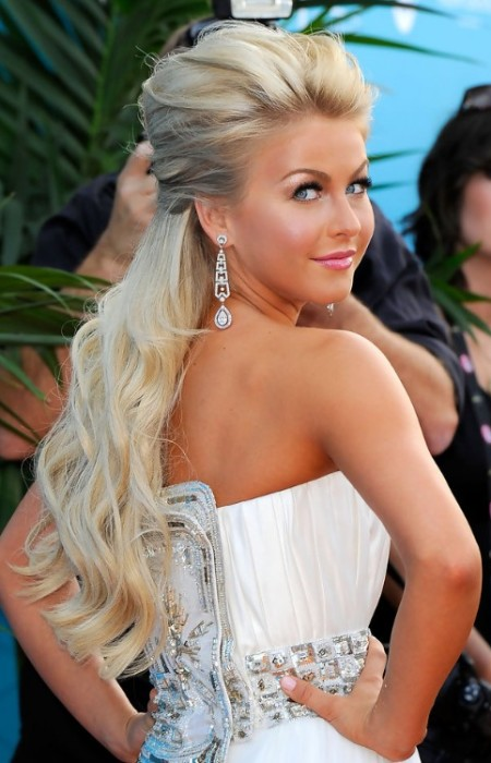 Julianne Hough Half Updo Hairstyle
