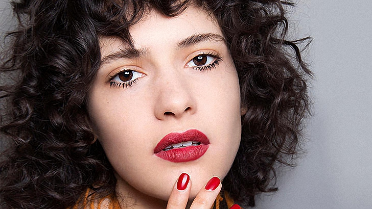 7 Tips to Help You Create Soft Romantic Curls